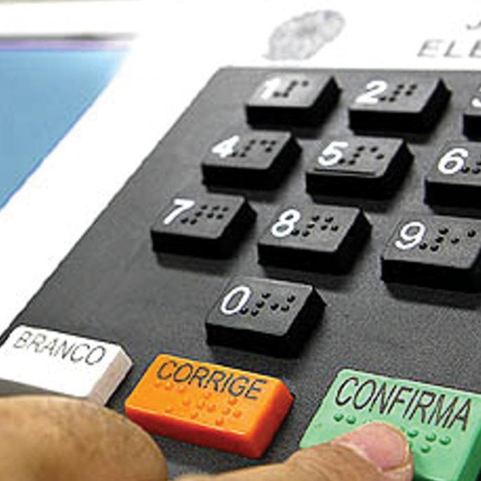 #Verificamos: É falso que somente Brasil, Cuba e Venezuela usam urnas eletrônicas